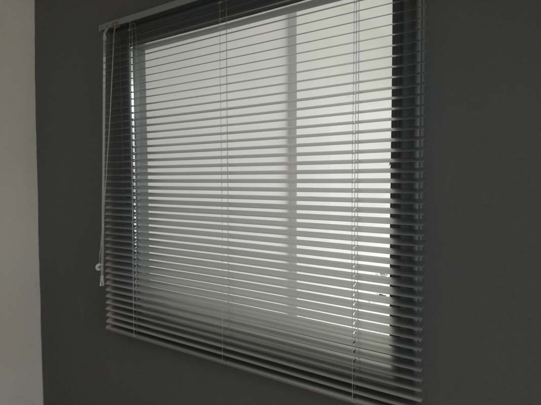 INDOOR SHADE-BLINDS
